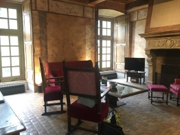 The lounge in a chateau suite