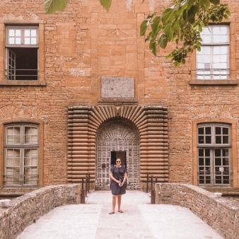 The entrance to Chateau de Bagnols