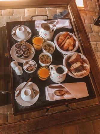 breakfast in bed at chateau de bagnols