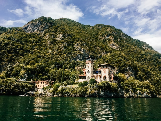 Villa views by boat in Lake Como